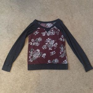Nollie floral long sleeve/sweatshirt
